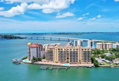 464 Golden Gate Point Sarasota FL 34236