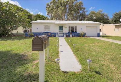 15908 2nd Street E Redington Beach FL 33708