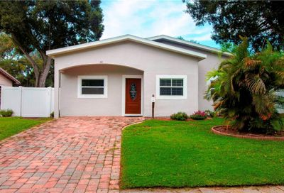 161 SW Lincoln Circle N St Petersburg FL 33703