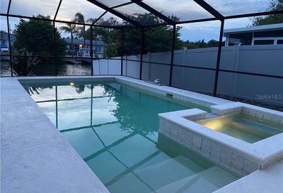 3916 Fontainebleau Dr Tampa FL 33634