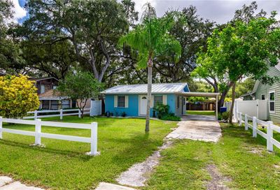 425 4th Avenue NE Largo FL 33770