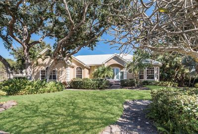 3305 Sabal Cove Circle Longboat Key FL 34228
