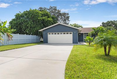201 176th Avenue E Redington Shores FL 33708