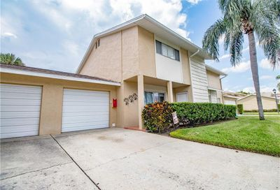 6490 Cape Hatteras Way NE St Petersburg FL 33702