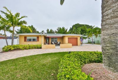10207 4th Street E Treasure Island FL 33706