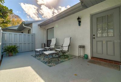 1100 Pine Ridge Circle W Tarpon Springs FL 34688