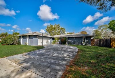 4073 47th Street Sarasota FL 34235