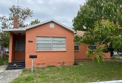 4679 17th Avenue S St Petersburg FL 33711