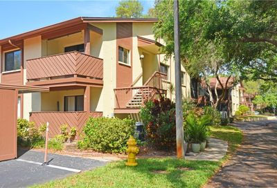 643 Yorkshire Court Safety Harbor FL 34695