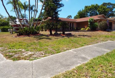 1611 Treasure Drive Tarpon Springs FL 34689