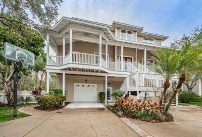 897 Point Seaside Drive Crystal Beach FL 34681