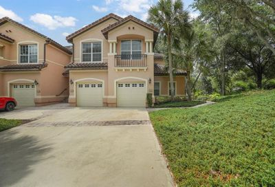 102 Camino Real Howey In The Hills FL 34737