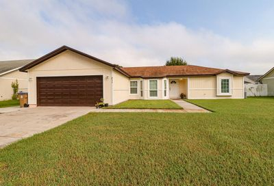 211 Red Maple Drive Kissimmee FL 34743