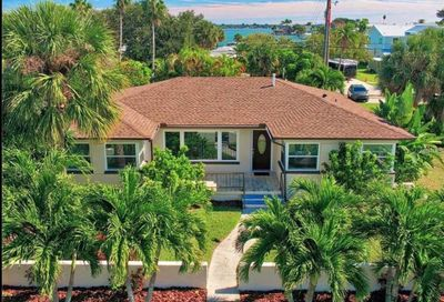 907 Narcissus Avenue Clearwater FL 33767