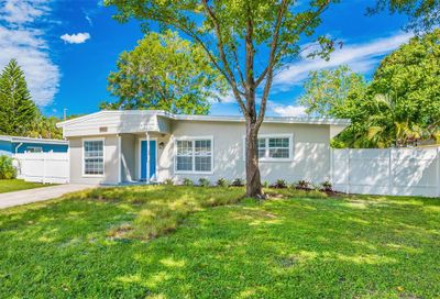 2208 Euclid Circle S Clearwater FL 33764