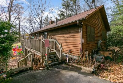 19 White Oak Forest Road Fairview NC 28730