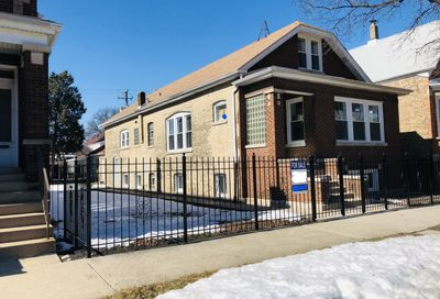 3728 S Honore Street Chicago IL 60609