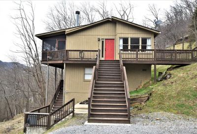 1541 Utah Mountain Road Waynesville NC 28785