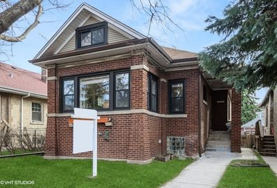 4941 N California Avenue Chicago IL 60625