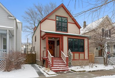 4949 N Leavitt Street Chicago IL 60625