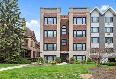 558 W Deming Place Chicago IL 60614
