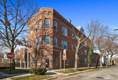 3004 N Honore Street Chicago IL 60657