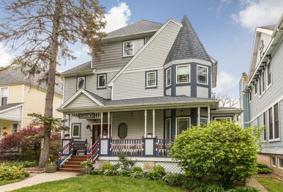 5787 N East Circle Avenue Chicago IL 60631