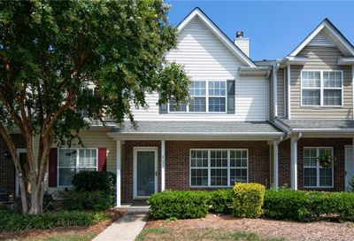 2135 Preakness Court Charlotte NC 28273