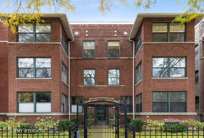 4447 N Beacon Street Chicago IL 60640