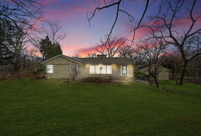 25w621 Indian Hill Woods Naperville IL 60563