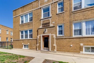 4546 W Barry Avenue Chicago IL 60641
