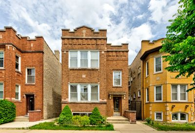 5825 N Campbell Avenue Chicago IL 60659