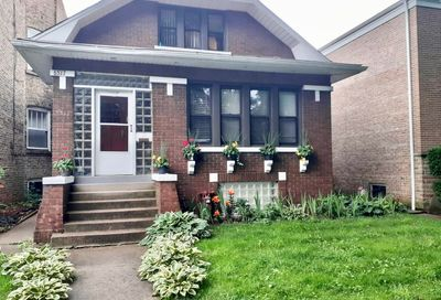 6517 N Campbell Avenue Chicago IL 60645