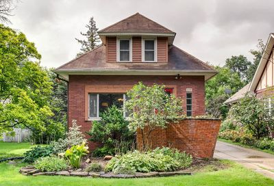 379 Olmsted Road Riverside IL 60546