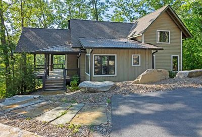 4138 Lake Forest Drive Tuckasegee NC 28783