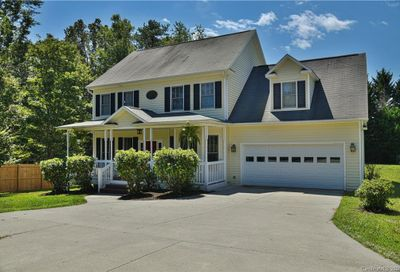 8 Stags Run Candler NC 28715