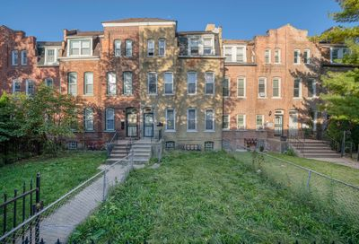 10414 S Maryland Avenue Chicago IL 60628