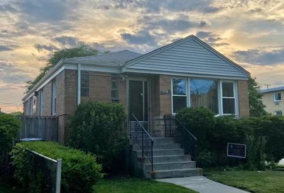7558 N Rockwell Street Chicago IL 60645