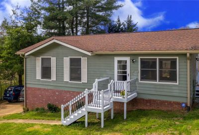 15 Cresthaven Drive Clyde NC 28721