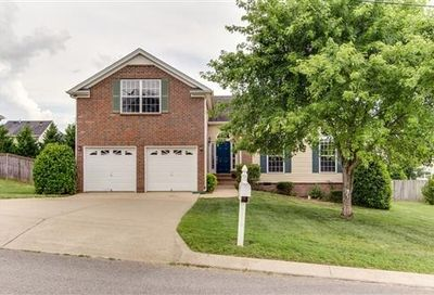 2677 Paradise Dr Spring Hill TN 37174