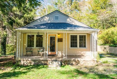 2015 Fork Right Road Black Mountain NC 28711