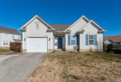 4015 Lundale Court Charlotte NC 28273