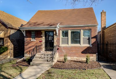 8841 S East End Avenue Chicago IL 60617