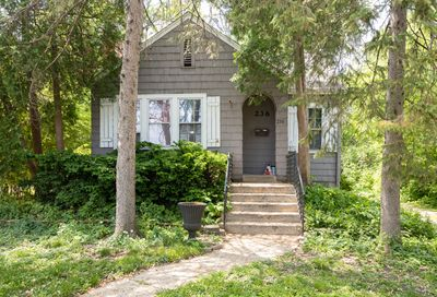 236 N Lincoln Street Westmont IL 60559