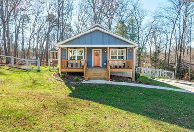 54 Parrot Road Candler NC 28715