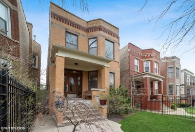 4425 N Damen Avenue Chicago IL 60625