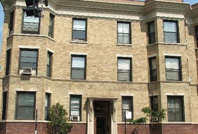 2961 N Halsted Street Chicago IL 60657