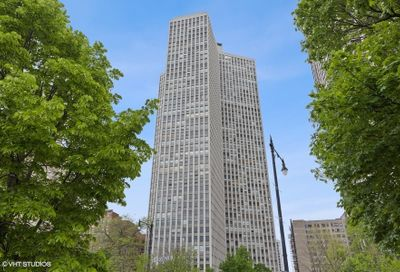 2626 N Lakeview Avenue Chicago IL 60614