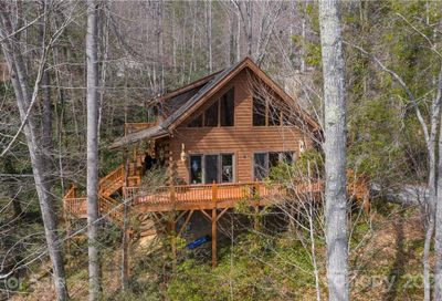 89 Red Oak Drive Maggie Valley NC 28751