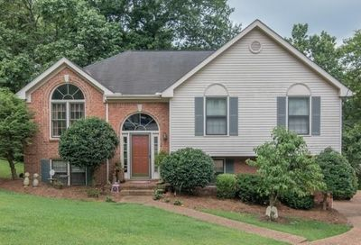 208 Oak Hollow Cir Hermitage TN 37076